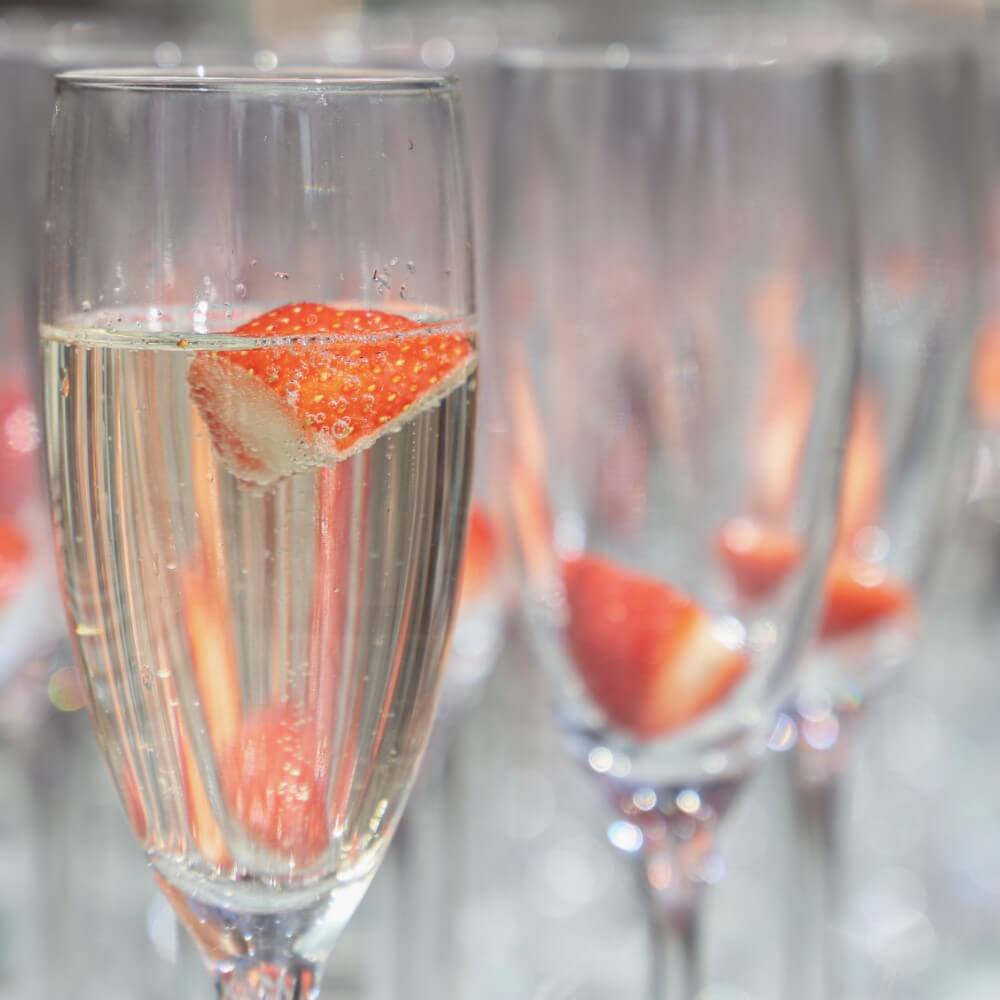 champagne cup strawberry